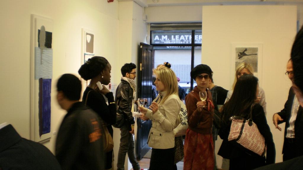 lug-2009_Restful-Turmoil_London-004
